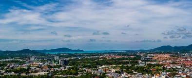 Opinión de Pnorama de la ciudad de Phuket Fotos de archivo
