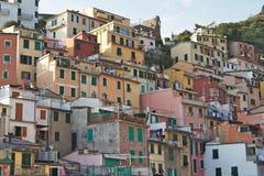 Opinión de pueblo pesquero de Italia imagenes de archivo