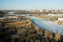 Opinión de River Valley del invierno en Edmonton imagen de archivo