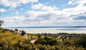 Opinión de Sceninc en el lago Balatón imagen de archivo libre de regalías