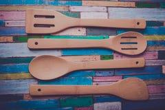 Opinión de set-top de madera del vajilla Fotografía de archivo libre de regalías