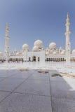 Opinión de Sheikh Zayed Mosque del interior, la gran mezquita magnífica de mármol en Abu Dhabi, UAE Fotografía de archivo libre de regalías