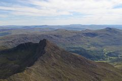 Opinión de Snowdonia de la cumbre fotos de archivo