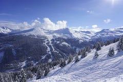 Opinión de Stubnerkogel en la mala estación de esquí de Gastein imágenes de archivo libres de regalías