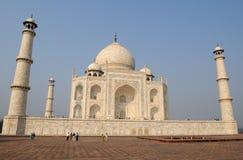 Opinión de Taj Mahal Imagenes de archivo