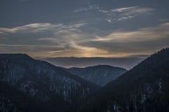 Opinión de Tomasovsky en el paraíso de Eslovaquia con puesta del sol nublada Imagen de archivo libre de regalías