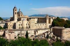 Opinión de Urbino fotografía de archivo
