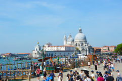 Opinión de Venecia del canal grande y de la basílica de St Mary de la salud, verano 2016 de Venecia, Italia Imágenes de archivo libres de regalías