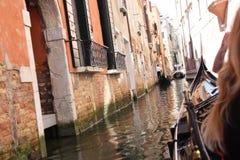 Opinión de Venecia del canal Italia foto de archivo libre de regalías