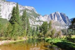 Opinión de Yosemite Fotografía de archivo libre de regalías