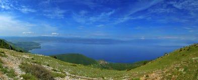 """Opinión del †del lago Ohrid, Macedonia """"de Galichica Imagenes de archivo"""
