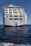 Opinión del agua del barco de cruceros de Oceanía de las insignias Fotos de archivo libres de regalías