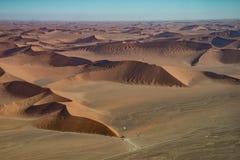Opinión del aire, parque nacional de la duna 45 de Namib Naukluft Foto de archivo