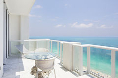 Opinión del balcón del Highrise foto de archivo libre de regalías