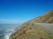Opinión del borde de la carretera de la carretera de la Costa del Pacífico Fotografía de archivo libre de regalías