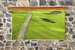 Opinión del campo de golf de la ventana de la pared de albañilería de piedra Imagen de archivo libre de regalías