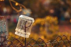 Opinión del campo, pote en la cerca Imagen de archivo libre de regalías