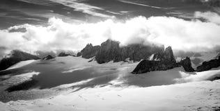 Opinión del canto de las montañas, montañas del macizo de Mont Blanc, Francia fotos de archivo libres de regalías