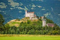 Opinión del castillo de Vaduz, Lichtenstein Imágenes de archivo libres de regalías