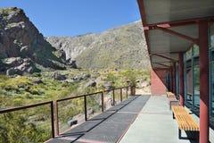 Opinión del centro del visitante del barranco de Tahquitz Fotos de archivo