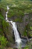 Opinión del cierre de la cascada de Voringsfossen, Noruega Foto de archivo