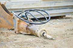 Opinión del closew del brazo del martillo perforador del excavador Foto de archivo