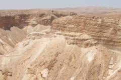 Opinión del desierto de la ruina del castillo de Masada - Israel imagen de archivo libre de regalías