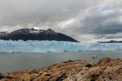 Opinión del glaciar en la Patagonia la Argentina imágenes de archivo libres de regalías