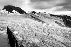 Opinión del glaciar, montañas del macizo de Mont Blanc, Francia fotos de archivo libres de regalías