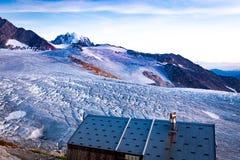 Opinión del glaciar, montañas del macizo de Mont Blanc, Francia fotos de archivo
