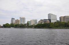 Opinión del horizonte de Boston del río Charles en el estado de Boston Massachusettes de los E.E.U.U. imágenes de archivo libres de regalías