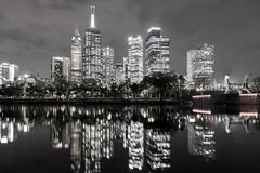 Opinión del horizonte de Melbourne blanco y negro imagenes de archivo