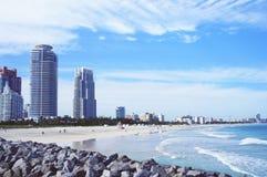 Opinión del horizonte de Miami Beach del embarcadero del sur del punto fotos de archivo libres de regalías