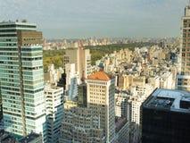Opinión del horizonte de New York City del Central Park Imagen de archivo libre de regalías