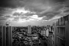 Opinión del horizonte de Sao Paulo, el Brasil Foto de archivo