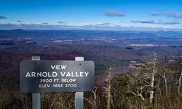 Opinión del invierno Arnold Valley imagen de archivo
