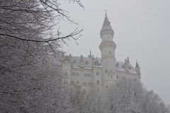 Opinión del invierno del castillo de Neuschwanstein Fotos de archivo