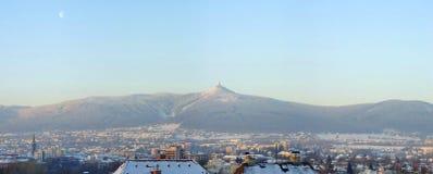 Opinión del invierno sobre la colina Jested Fotografía de archivo