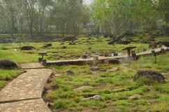Opinión del jardín de las aguas termales del colmillo, Tailandia foto de archivo libre de regalías