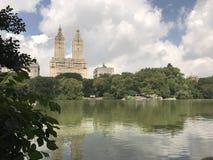 Opinión del lago central Park de Nueva York foto de archivo libre de regalías