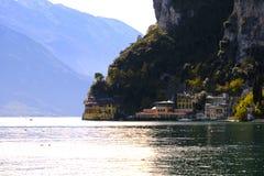 Opinión del lago mountain, acuerdo Fotografía de archivo