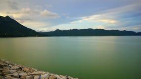 Opinión del lago reservoir de Cive del chorlito Imagenes de archivo