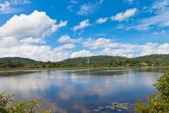Opinión del lago y del montain Fotografía de archivo libre de regalías