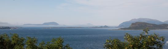 Opinión del mar de Alesund fotos de archivo