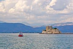 Opinión del mar del castillo de Bourtzi, Nafplion Imágenes de archivo libres de regalías
