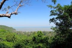 Opinión del mar del top de la montaña Imágenes de archivo libres de regalías