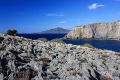 Opinión del mar en Cala Domestica, Cerdeña, Italia Imagenes de archivo
