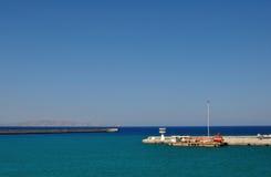 Opinión del mar en el puerto de Heraklion, Grecia Imágenes de archivo libres de regalías