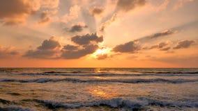 Opinión del mar en la puesta del sol en Tel Aviv fotografía de archivo
