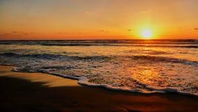 Opinión del mar en la puesta del sol en Tel Aviv Imagenes de archivo